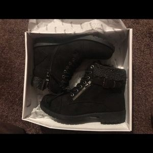 Women boots new in box
